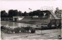dijon piscine du parc caroussel 1959.jpg