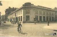 garage charton 1930-40 proche place grangier.jpg