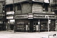 dijon rue de la liberte 1960 maison au 3 visages pharmacie du miroir.jpg
