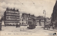 dijon place darcy 1916 tramway.jpg